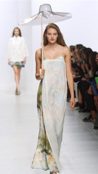 Womens fashion Chalayan spring summer 2014 womenswear