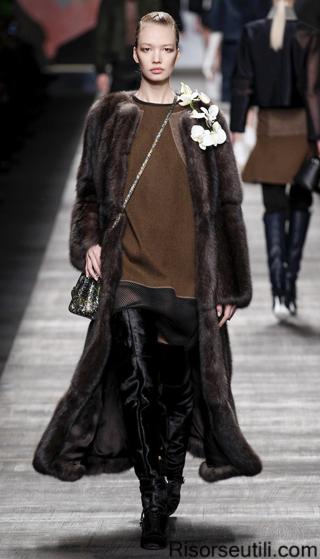 Fendi fall winter 2014 2015 womenswear fashion show