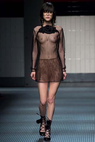 Gucci Fall Winter 2015 2016 Womenswear 3