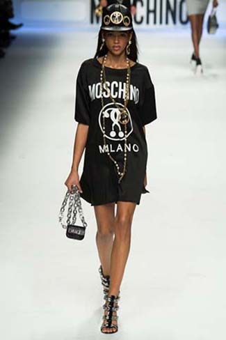 Moschino Fall Winter 2015 2016 Womenswear 6