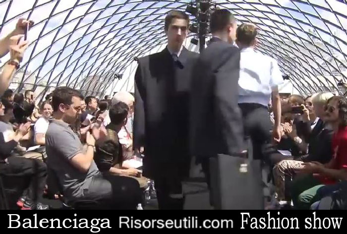 Fashion show Balenciaga spring summer 2017 menswear