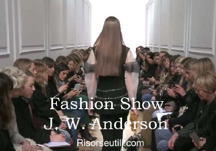 Fashion show J. W. Anderson fall winter 2016 2017 womenswear