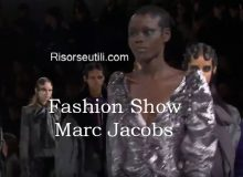 Fashion show Marc Jacobs fall winter 2016 2017 womenswear