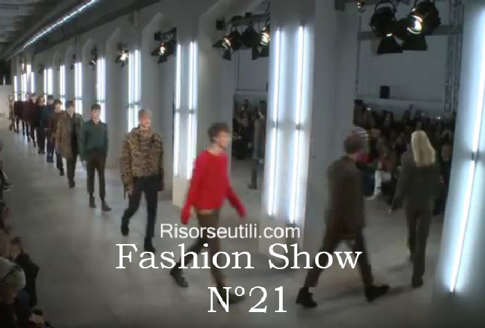 Fashion show N21 fall winter 2016 2017 menswear